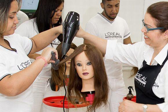 A L'Oréal oferece vários tipos de cursos de beleza (Foto: Reprodução L'Oréal)