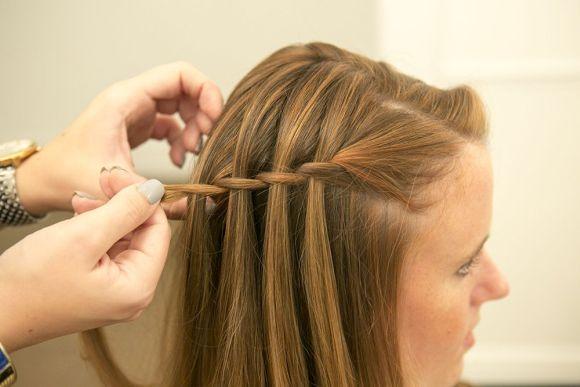 Esse tipo de trança deixa o penteado diferente e cheio de charme (Foto Ilustrativa)