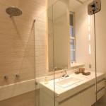 237998 am re   banheiro   caig   a   06 150x150 Banheiros Decorados com Porcelanato