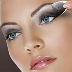 242600 Maquiagem Adesiva Como Usar 8 150x150 Maquiagem em Adesivo – Como Usar