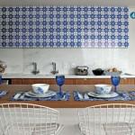 276974 casa claudia outubro ideias criativas decoracao apartamento mediterraneo 120 05 150x150 Pisos e azulejos para cozinha