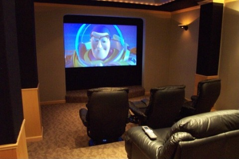 Aprenda a montar uma sala de cinema em casa - Montar un cine en casa ...