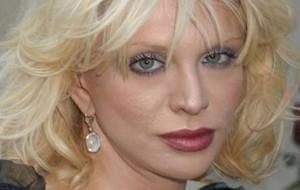 Courtney Love é acusada pelo furto de R$ 178 mil em joias.