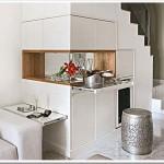 297579 um lavabo em baixo da escada 150x150 Descubra maneiras criativas de decorar as escadas