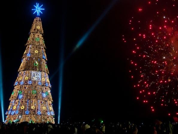 A árvore de Natal da Represa de Guarapiranga é um dos pontos turísticos;