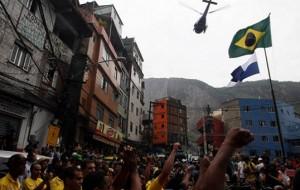 PM ocupa Rocinha e Vidigal para instalar as UPPs
