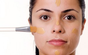 Aprenda a usar o corretivo e dê fim nas imperfeições de sua pele