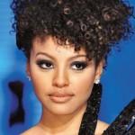 333362 sheron menezes rs20000002 diversas 150x150 Confira 10 opções de penteados para cabelos cacheados