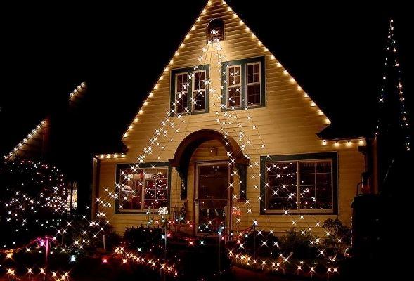 Fotos casas decoradas com luzes natal for Luces para exterior de casa