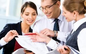 Saiba como se dedicar a um emprego e a um negócio ao mesmo tempo