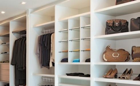 Closets baratos projetos e dicas mundodastribos for Modulos de armarios baratos