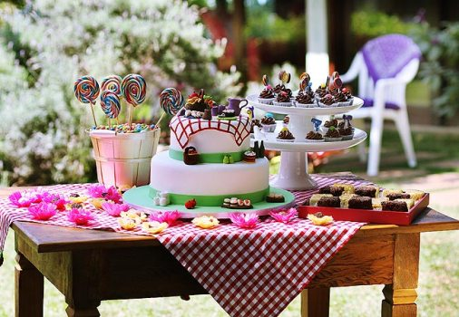 mesa infantil jardim:Decoração de jardim para festas – fotos, ideias 5