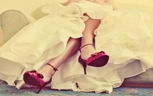 Sapatos coloridos para noivas