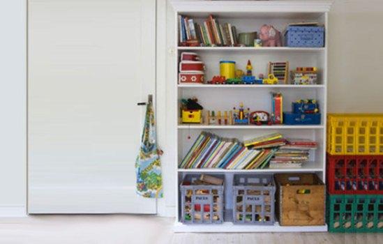 Estantes Para Quarto De Brinquedos ~ Brinquedos guardados e organizados na estante