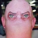 377294 tatuagem na nuca 150x150 Tatuagens estranhas e engraçadas   fotos