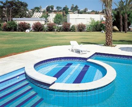 Pastilhas para piscinas pre os modelos onde comprar for Modelos de piscinas modernas