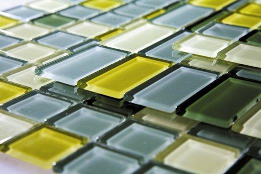 As pastilhas coloridas fazem um perfeito acabamento nos ambientes.