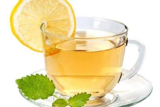 O chá de verão pode ser apreciado em qualquer momento do dia.