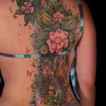 395990 tatoo nas costas 150x150 Tatuagens para fechar as costas: fotos