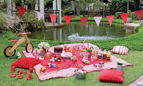decoracao no jardim:tema piquenique serviu para decorar a festa infantil no jardim.