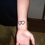 398821 coração no pulso 3 150x150 Tatuagens no pulso: fotos