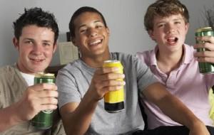 Álcool em filmes estimulam jovens a beber, diz pesquisa