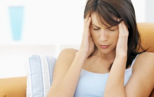 Dor de cabeça aumenta chance de depressão em mulheres