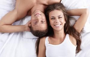 Ser solteiro ou comprometido: Saiba o que é mais caro