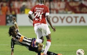 Internacional e Santos empatam em uma difícil disputa no Beira-Rio