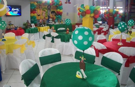 Decoração de festa com tema Chaves