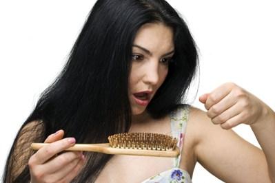 A escova progressiva pode causar a queda de cabelo. (Foto: Divulgação)