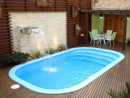fotos jardins piscinas:piscina de fibra é resistente e fácil de instalar. (Foto