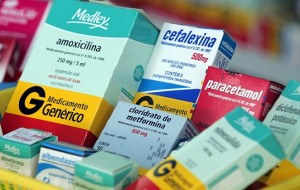 Dilma proíbe comercialização de remédios em supermercados
