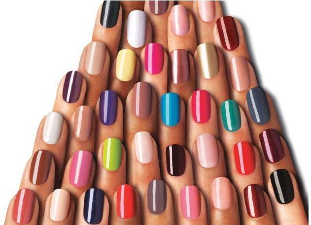 Inúmeras cores e modelos de esmaltes importados estão disponíveis no mercado. Foto:(Divulgação)