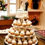 459839 Torre de cupcakes para casamento fotos dicas 9 150x150 Torre de cupcakes para casamento: fotos, dicas