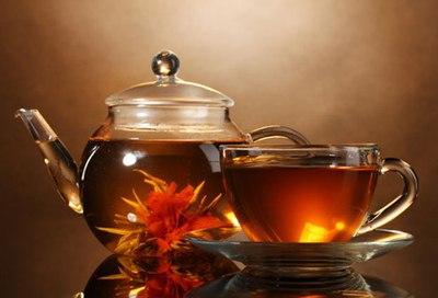 Além de ser muito saudável, o chá de folhas de amora ajuda a emagrecer. (Foto: Divulgação)