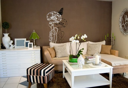 Decoração de sala com parede marrom dicas, fotos