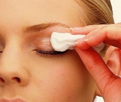 Envelhecimento de pele de cara da razão e tratamento