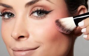 Blush: como aplicar para cada formato do rosto