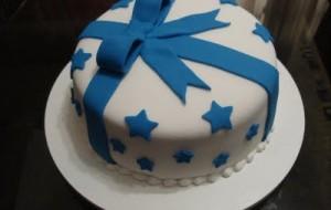 Bolo azul decorado: fotos