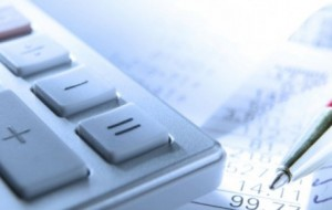 Diferença entre pacotes de tarifas bancárias chega a 70%