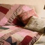 487033 Mantas para decorar sofás dicas fotos 6 150x150 Mantas para decorar sofás: dicas, fotos