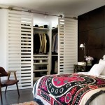 490889 Móveis vasados e uso de vidro aumentam o ambiente. 150x150 Decoração de quarto de casal pequeno, fotos