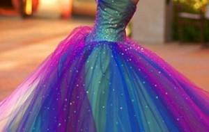Vestidos coloridos para festa de quinze anos: fotos