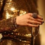 501491 A cor dourada proporciona glamour e elegância ao visual feminino Fotodivulgação. 150x150 Roupas douradas: como usar