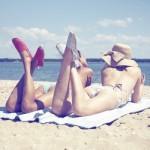 517404 Os chapéus caem muito bem com a moda praia. Foto divulgação 150x150 Chapéus para o verão 2013, tendência