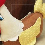 526531 Os pesos de porta em forma de galinha de pano são ótimas opções de escolha. Foto divulgação 150x150 Pesos de porta criativos: fotos