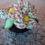 526531 Os vasinhos de flores ficam muito bonitos como pesos de porta. Foto divulgação 150x150 Pesos de porta criativos: fotos