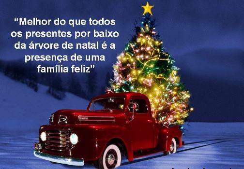 carro com árvore de natal
