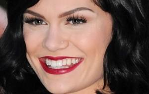 Maquiagem com batom vinho: fotos, dicas